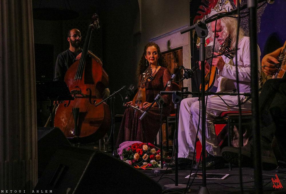 Le concert de Ross Daly, un spectacle qui atterrit de la Grèce